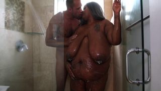PlumperPass – Zariah June – In The Shower With Zariah